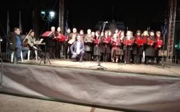 Συναυλία της χορωδίας των Κ.Α.Π.Η. Ελευσίνας-Μαγούλας στο Χριστουγεννιάτικο χωριό