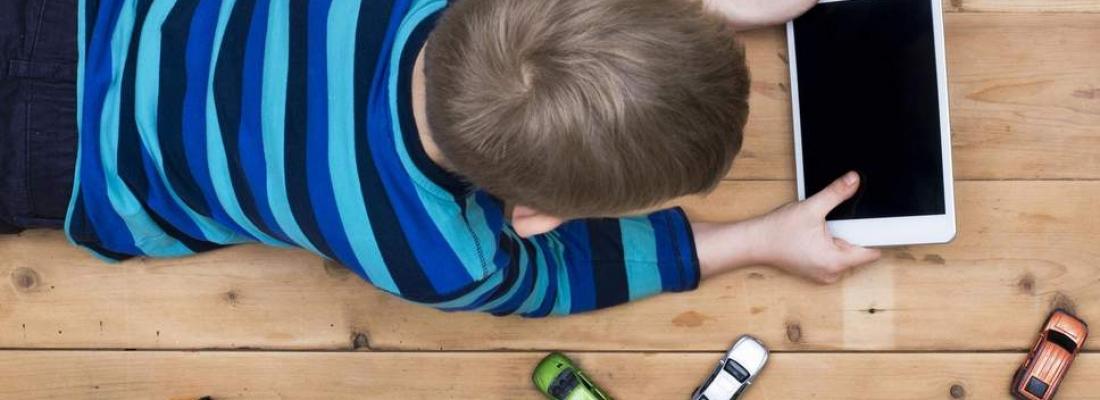 Οι οθόνες στη ζωή των παιδιών μας.
